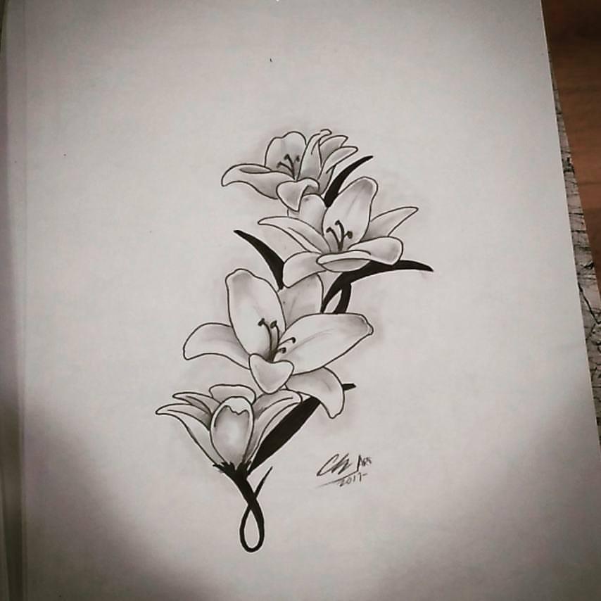 Tatuajes flores tattoo palencia lirios realismo