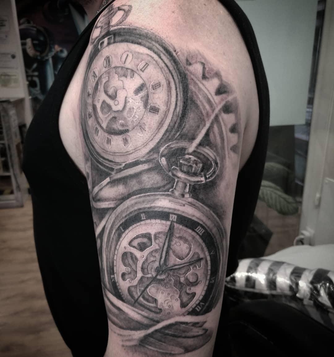 reloj tatuaje engranaje palencia